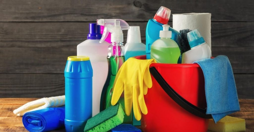 Eco friendly cleaning products in a bucket UK - Clean and Tidy living