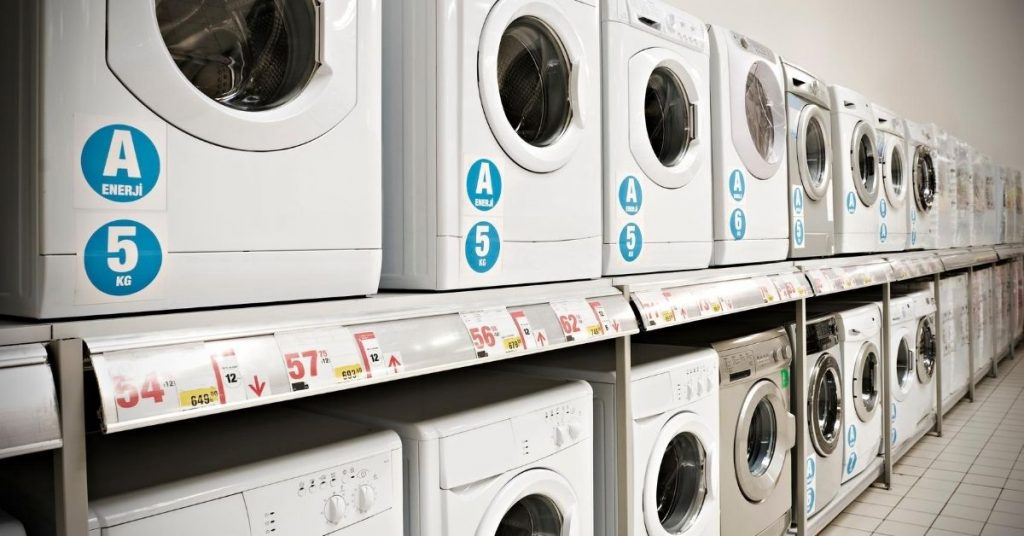 Washing machines in a shop under £300 - Clean and Tidy Living