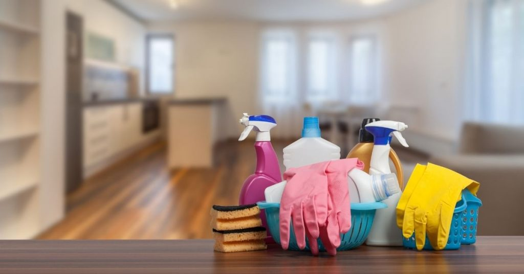Which is the best wood Cleaner_ - Clean and Tidy Living