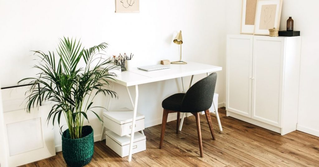 Secrets to Keeping a Clean House - A clean office - Clean and Tidy Living