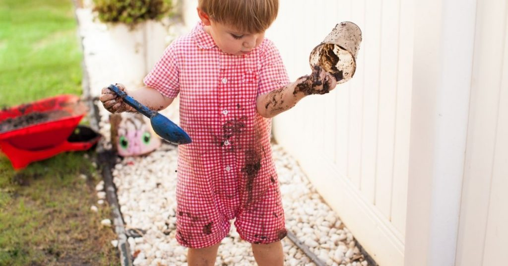 How to get mud stains out of clothes - Clean and Tidy Living